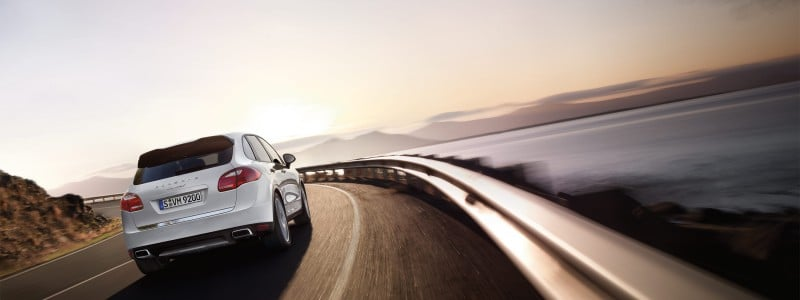 Porsche-Cayenne_S_Hybrid_2011_3000x1560_wallpaper_02